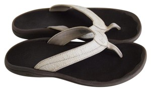 Olukai white Sandals