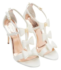 TED BAKER Bows Wedding WHITE Pumps