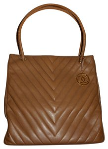 Chanel Quilted Lambskin Beige Tote in Taupe/Beige