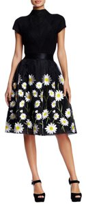 Gracia Floral Flowers Embroidered Mesh Daisy Skirt Black
