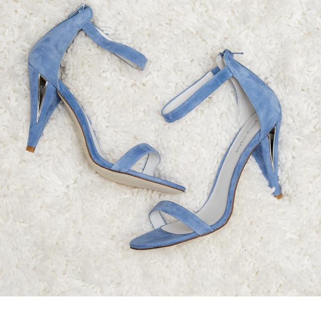 Item - Pale Blue Fabulous New Something Day Strappy Sandals Size US 7 Regular (M, B)