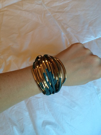 Purchased from Joss and Main Saachi brand new gold leather bracelet Image 4