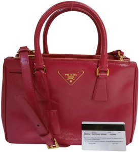 Prada Double Zip Saffiano Leather Bn2316 Tote in Pink