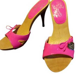 Guess By Marciano Hot pink Sandals