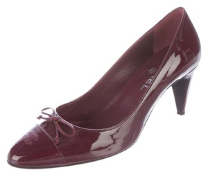 Chanel Pointed Toe Patent Leather Bow Interlocking Cc Logo Burgundy, Red Pumps