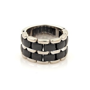 Chanel Ultra 18k White Gold Black Ceramic Flex Chain Band Ring Size 8.25