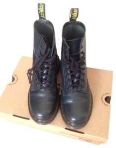 Dr. Martens navy blue Boots