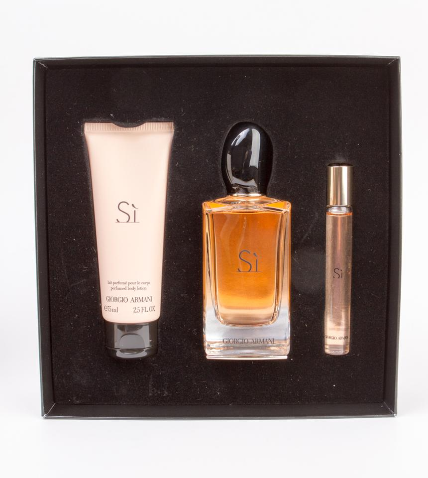 5e987504982 Giorgio Armani Si 3-piece Holiday Set (Edp 3.4oz Edp Rollerball ...