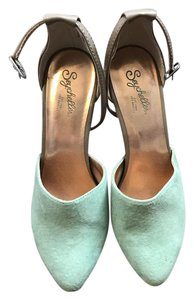 Seychelles Mint green and taupe Pumps