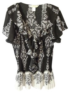 new york city design Ruffle Top black & white