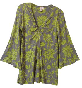 Sweet Pea by Stacy Frati Floral Vneck Bell Sleeves Top gray and green