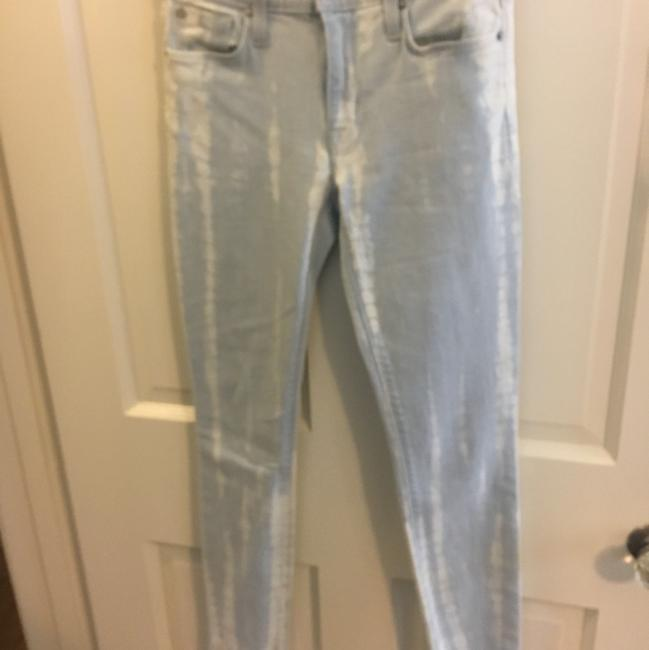 Item - Light Blue White Wash Skinny Jeans Size 24 (0, XS)