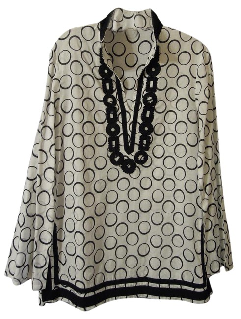 Preload https://item3.tradesy.com/images/michael-kors-black-and-white-45885-tunic-blouse-size-12-l-21415532-0-1.jpg?width=400&height=650