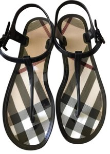 Burberry Preppy Classic Black with Check-Pattern Sandals