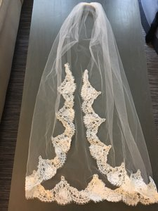 Gorgeous Lace Veil With Beading Detail