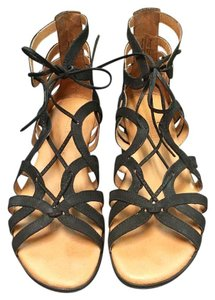 Gentle Souls by Kenneth Cole Black Sandals
