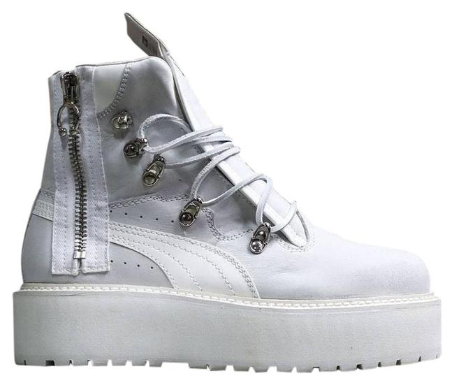 Item - White Boots Sneakers Size US 7.5 Regular (M, B)