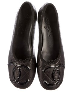Chanel Interlocking Cc Round Toe Ligne Cambon Quilted Cambon Black Flats