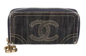 Chanel Chanel Blue Distressed Denim CC Stitch Logo Zipper Wallet