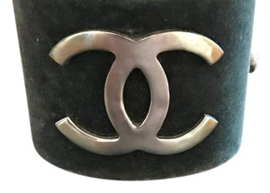 Chanel Chanel grey and silver metal cuff with double C logo