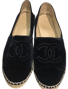Chanel Navy Blue Flats