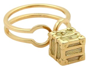 Louis Vuitton Petite Malle 18k Yellow Gold Luggage Box Charm Band Ring w/Card