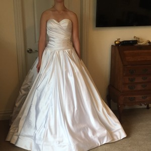 Pnina Tornai Bright White Formal Wedding Dress Size 8 (M)