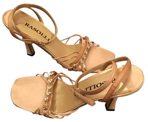 Rasolli Gold Pumps