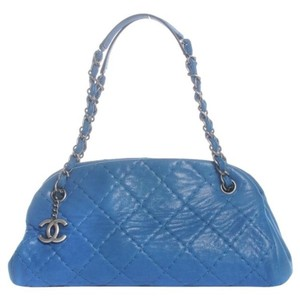 Blue Chanel Shoulder Bags - Up to 90% off at Tradesy bf80f69ebf
