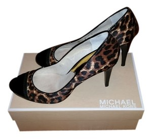 Michael Kors Cheetah Print Pumps