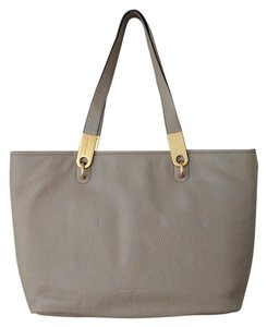 Marc Jacobs Beige Gold Leather Tote in Cement