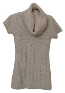BCBGMAXAZRIA Size Medium Wool Cowl Neck Sweater