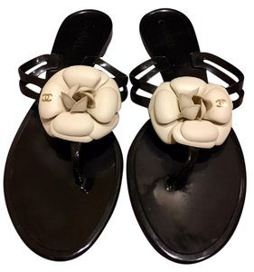 Chanel Jelly Rubber Camellia Cc Black and Ivory Sandals