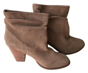 Chinese Laundry Suede Brown Tan Boots