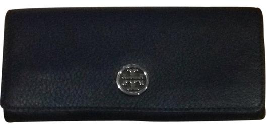 Preload https://item5.tradesy.com/images/tory-burch-navy-leather-travel-roll-2143119-0-0.jpg?width=440&height=440