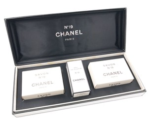 Chanel Chanel No.5 Perfume Soap Gift Set