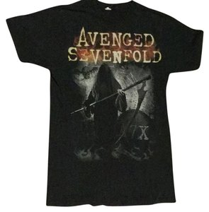 Avenge Sevenfold T-Shirt… Size Medium T Shirt Blac