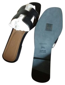 Herms Oran Swift Leather Black Sandals