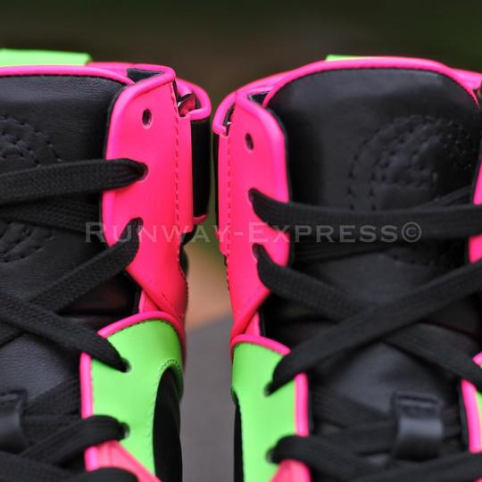 Gucci Sneaker Leather Black NEON PINK GREEN L Athletic #2: gucci black neon pink green l athletic 11 0 width=440&height=440