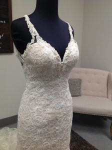 Martina Liana Ivory/Cafe Lace and Tullde 744 Wedding Dress Size 6 (S)