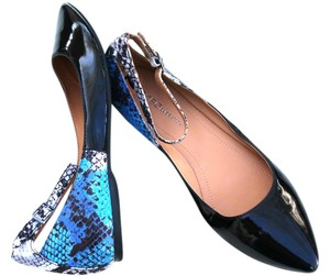 BCBGeneration Patent Leather Womens Black/Blue Flats