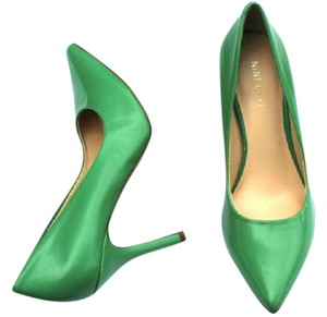 Nine West Leather Womens Womens Leather Green Pumps