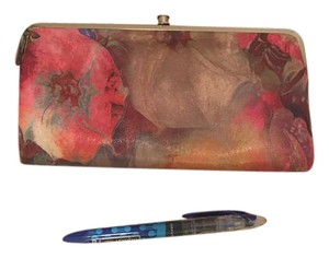 Hobo Limited Edition Designer water color flowers. green pink red yellow Clutch