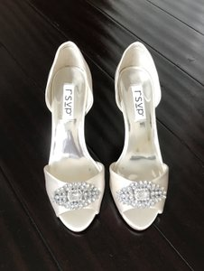RSVP Ivory Zia Pumps Size US 8 Regular (M, B)