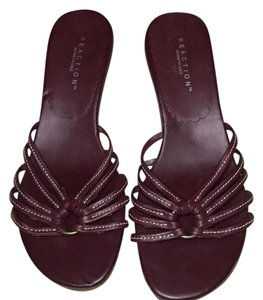 Kenneth Cole maroon Sandals