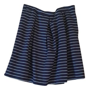Max Studio Skirt Navy and White