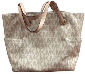 Michael Kors Tote in white/neutral