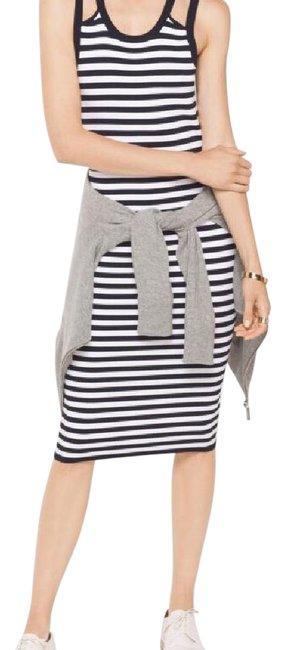 Item - Navy/White Mh68wr95zv Mid-length Short Casual Dress Size 6 (S)