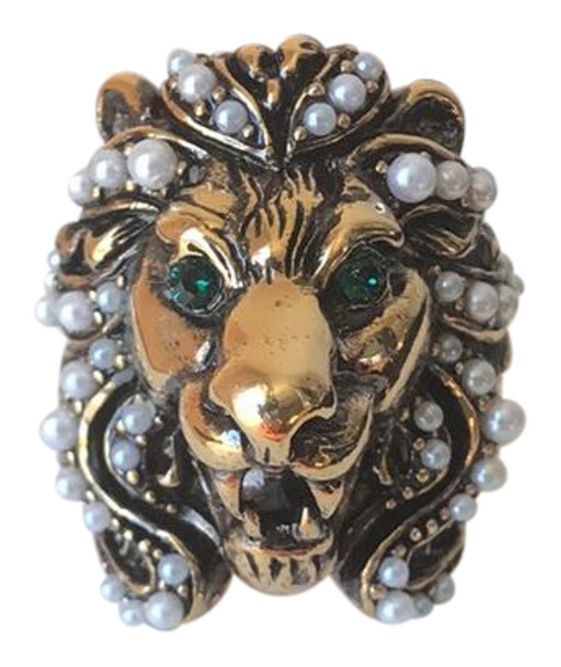 6e1f71a58 Gucci Gucci Lion Head Ring with crystal eyes and glass pearls Image 0 ...