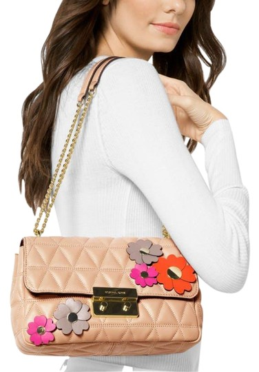 Preload https://img-static.tradesy.com/item/21446249/michael-kors-shoulder-new-quilted-sloan-embellished-floral-leather-cross-body-bag-0-7-540-540.jpg